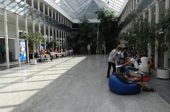 Екскурсія по Чеському Технічному Університету (ČVUT) - липень 2012
